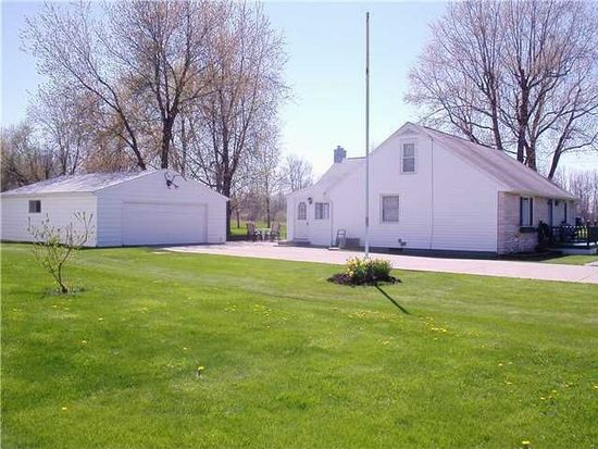 2442 Youngstown Lockport Rd, Ransomville, NY 14131