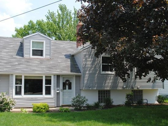 5737 Decker Rd, North Olmsted, OH 44070