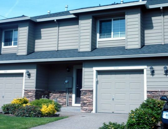 933 NW 3rd Ave, Canby, OR 97013