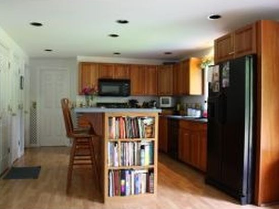 134 Leavitt Rd, Fremont, NH 03044