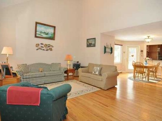 401 Potter Rd, North Kingstown, RI 02852