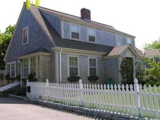 45 Maple Ave, Hyannis, MA 02601