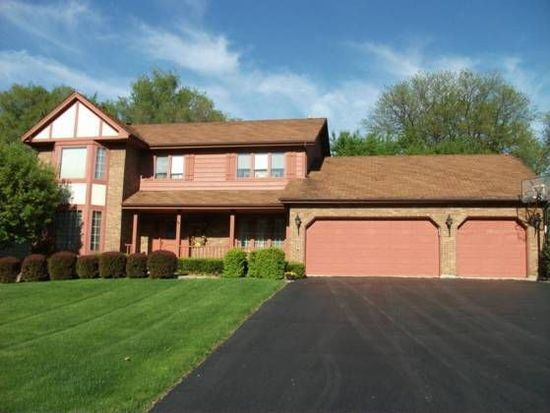 9S029 Landsfield Ave, Downers Grove, IL 60516