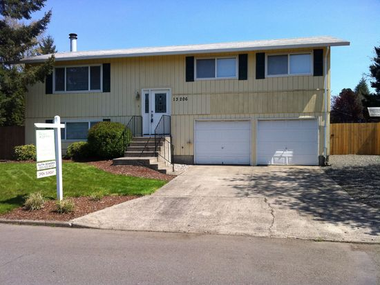 13206 Roseberry Ave, Oregon City, OR 97045