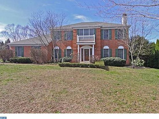 3 Rockhill Dr, Broomall, PA 19008