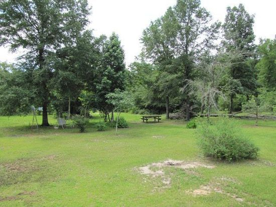 215 Wildflower Cir, Lumberton, MS 39455