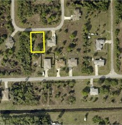 6123 Holt Ct, Fort Myers, FL 33905