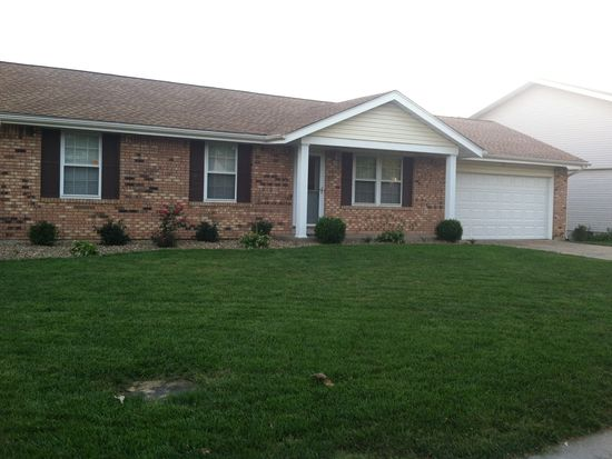 3924 Summer Forest Dr, Saint Charles, MO 63304