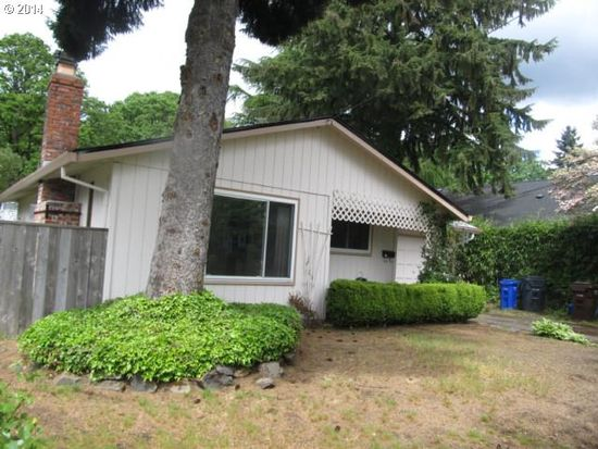 234 W Fairfield St, Gladstone, OR 97027