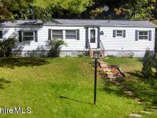 5 Lakewood Dr, Pittsfield, MA 01201