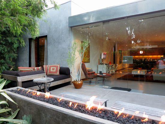 739 Westmount Dr, W Hollywood, CA 90069