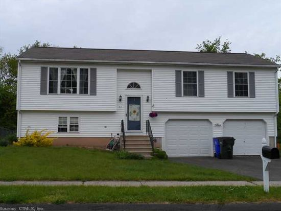 61 Spruce St, Wethersfield, CT 06109