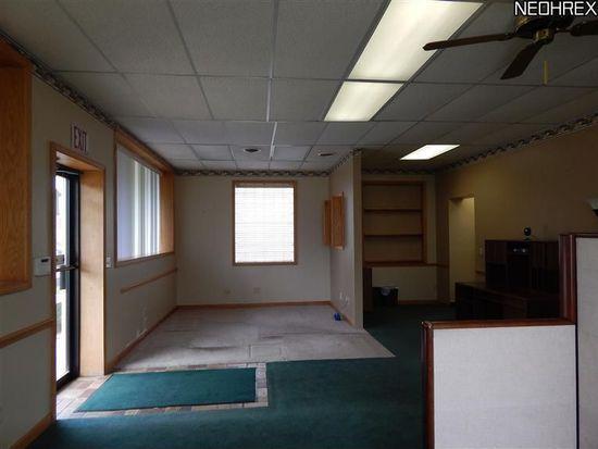 1125 Triplett Blvd, Akron, OH 44306