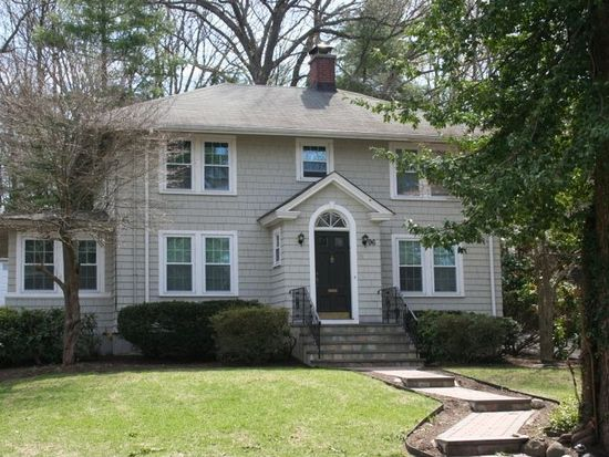 96 Beaumont Ave, Newton, MA 02460