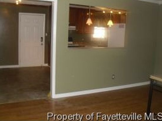 2100 Tunis Ct, Fayetteville, NC 28304