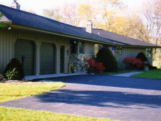 8523 Mason Hill Rd, Woodstock, IL 60098