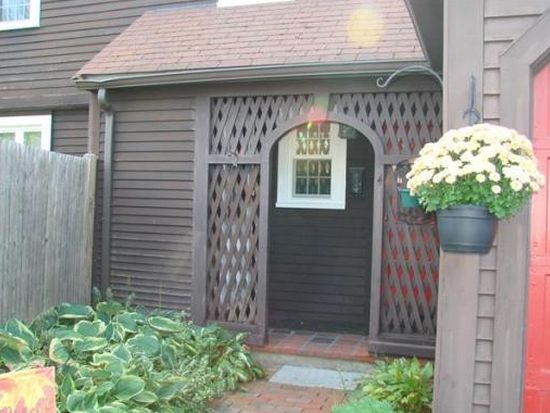 15 Lakeview Dr, Lynnfield, MA 01940