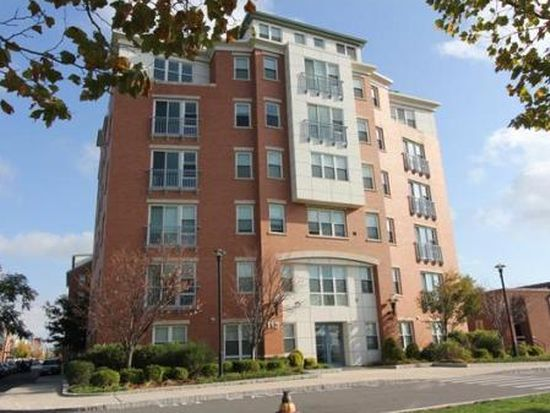 113 Sumner St UNIT 24, Boston, MA 02128