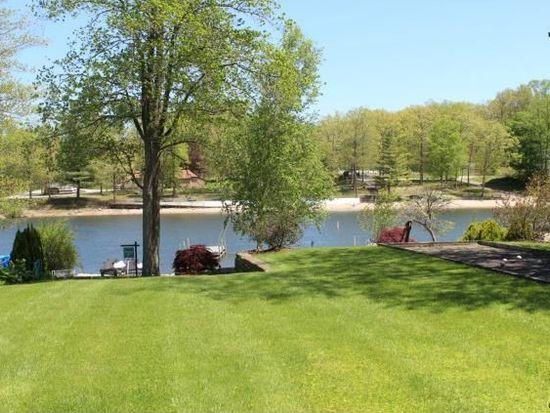 62 N Lake Shore Dr, Brookfield, CT 06804