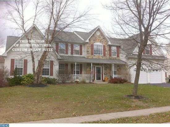 3483 Pond View Dr, Chalfont, PA 18914