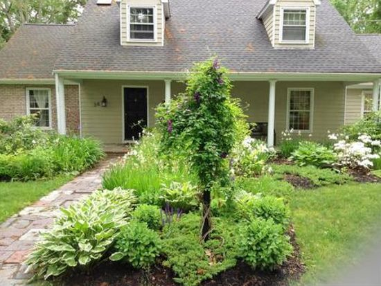 36 Whiteweed Dr, Dartmouth, MA 02747