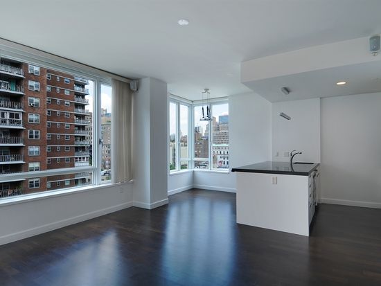 261 W 28th St APT 10A, New York, NY 10001
