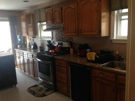 599 Lincoln Ave, Saugus, MA 01906
