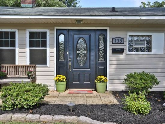 138 Gable Hill Rd, Levittown, PA 19057