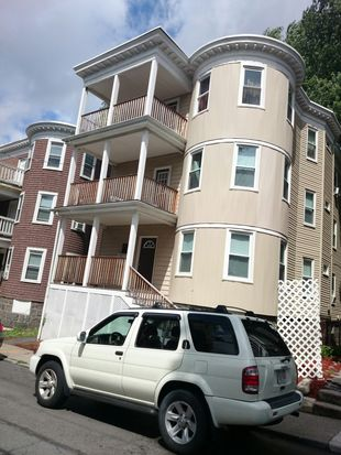 17 Dunlap St, Dorchester Center, MA 02124