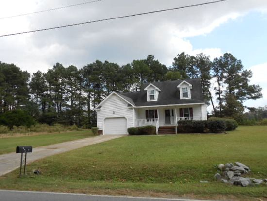 802 Indian Springs Rd, Mount Olive, NC 28365