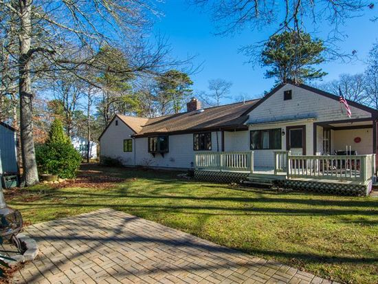 81 Crawford Rd, Cotuit, MA 02635