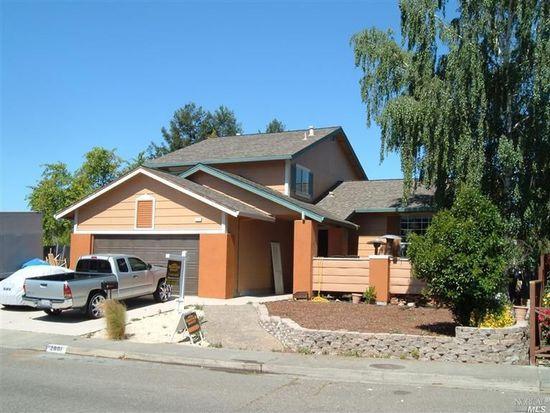 2001 Caulfield Ln, Petaluma, CA 94954