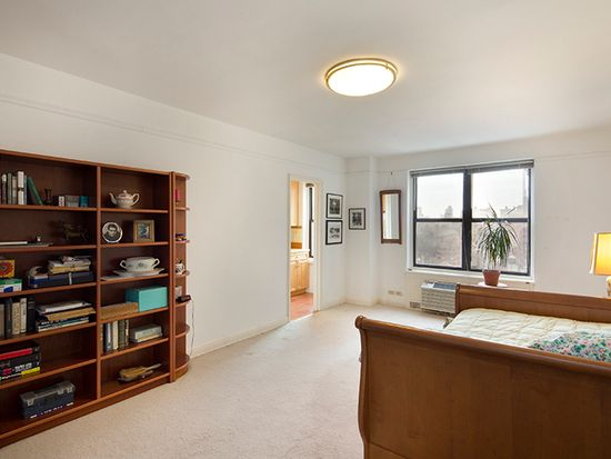 161 W 16th St APT 19E, New York, NY 10011