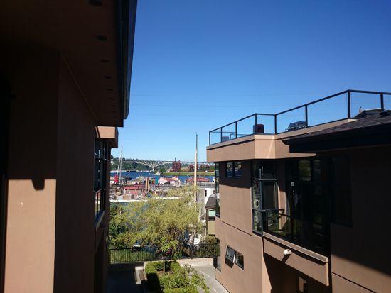 80 E Roanoke St APT 10, Seattle, WA 98102