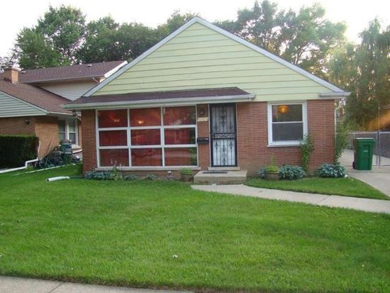922 Newcastle Ave, Westchester, IL 60154