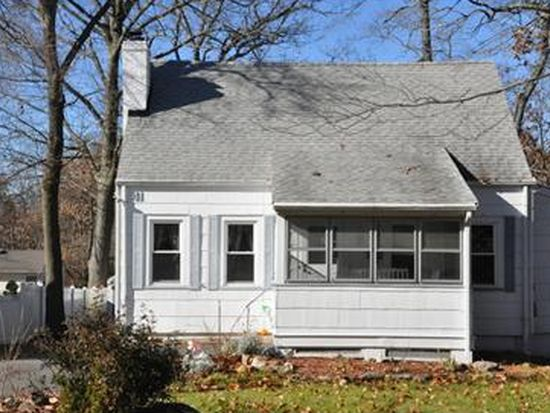 41 Woodland Ter, Livingston, NJ 07039