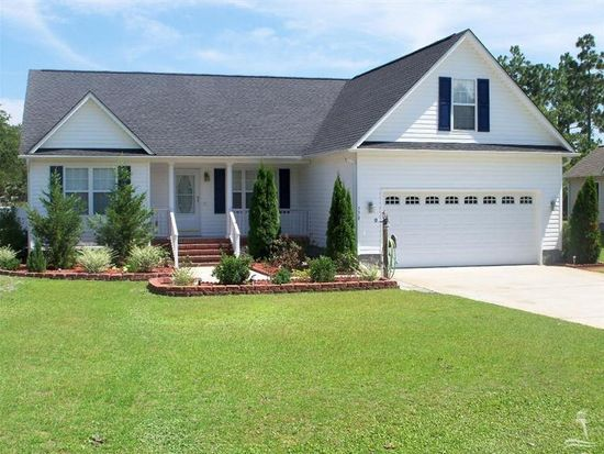490 W 9th St, Southport, NC 28461