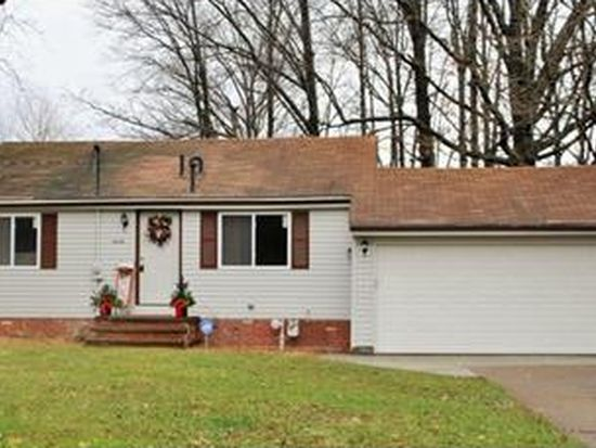 6428 Barton Rd, North Olmsted, OH 44070