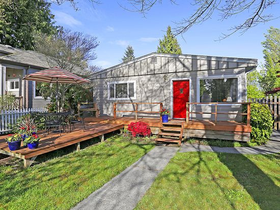 4138 49th Ave SW, Seattle, WA 98116
