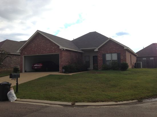 475 Pinebrook Cir, Brandon, MS 39047
