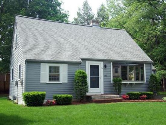 15 Dee Rd, Lexington, MA 02420