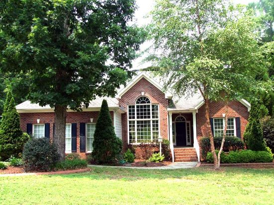 65 Georgetown Woods Dr, Youngsville, NC 27596