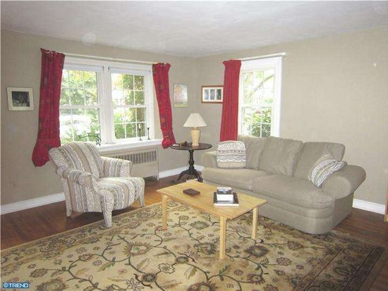 525 Westminster Ave, Swarthmore, PA 19081