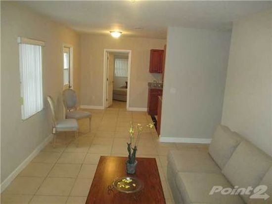 3261 NW 6th St, Miami, FL 33125