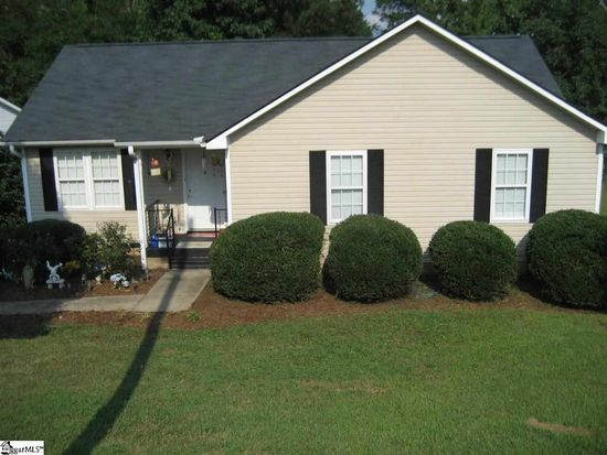 29 Northway Dr, Taylors, SC 29687