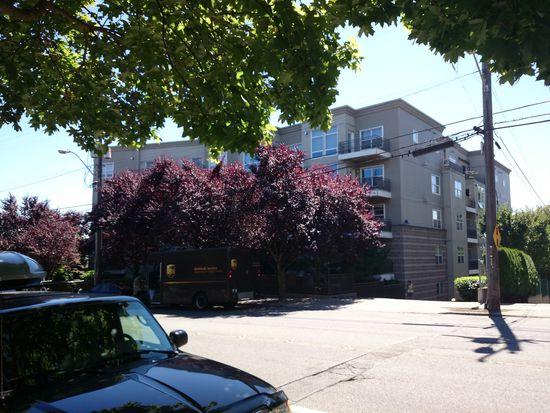 3221 SW Avalon Way APT 214, Seattle, WA 98126
