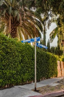 800 Westmount Dr APT 1, West Hollywood, CA 90069