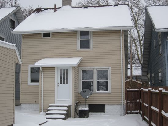 2650 Sigsbee St, Erie, PA 16508