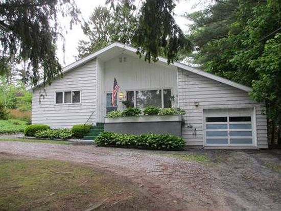 164 Lakeway Dr, Pittsfield, MA 01201