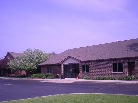 100 Hanson Rd, Algonquin, IL 60102